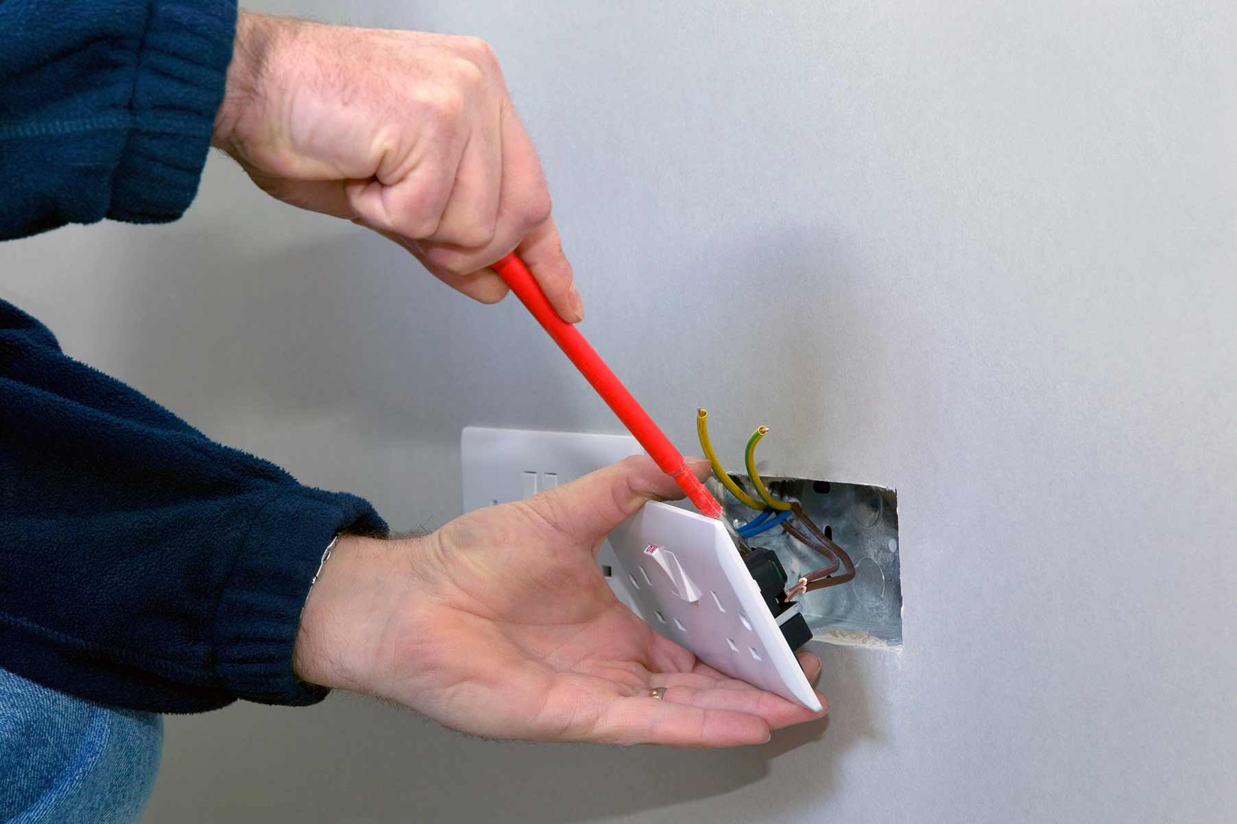 Our electricians can install plug sockets for domestic and commercial proeprties in South Croydon and the local area.